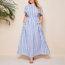 Grosse Grossen - Kleid mit Ausschnitt, Knopfen hinten, Taschen Flicken und Streifen