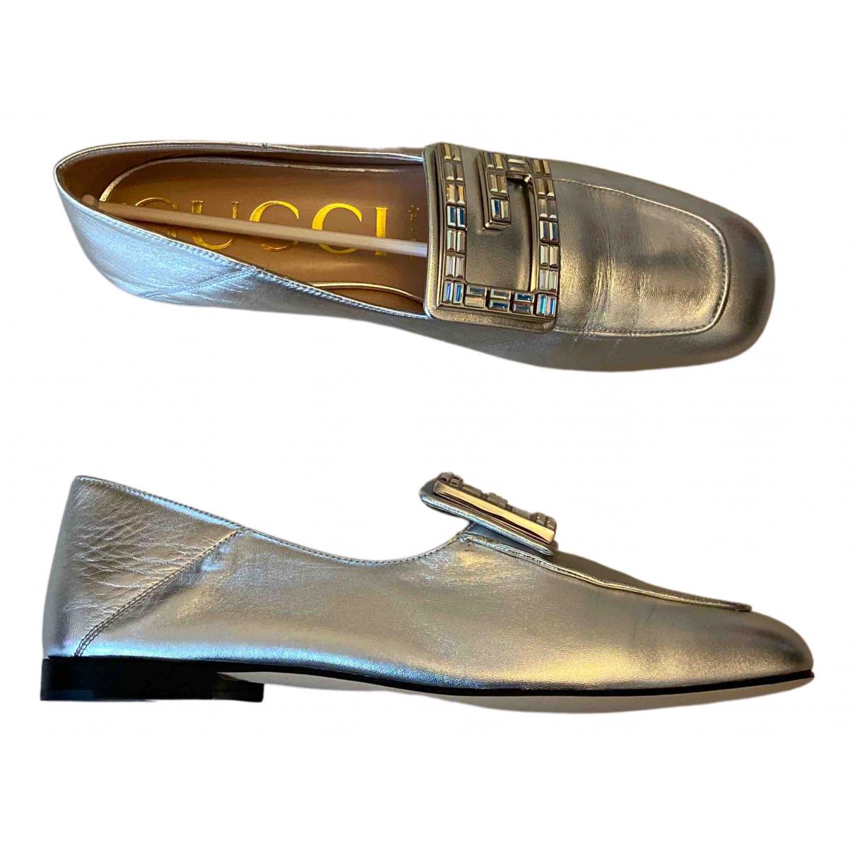 Gucci \N Mokassins in  Silber Leder