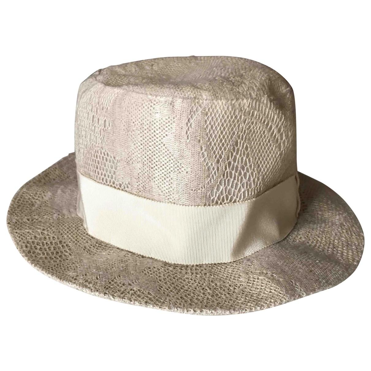 Giorgio Armani \N Ecru Wicker hat for Women 56 cm