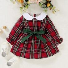 Kleid mit Karo Muster und Guertel