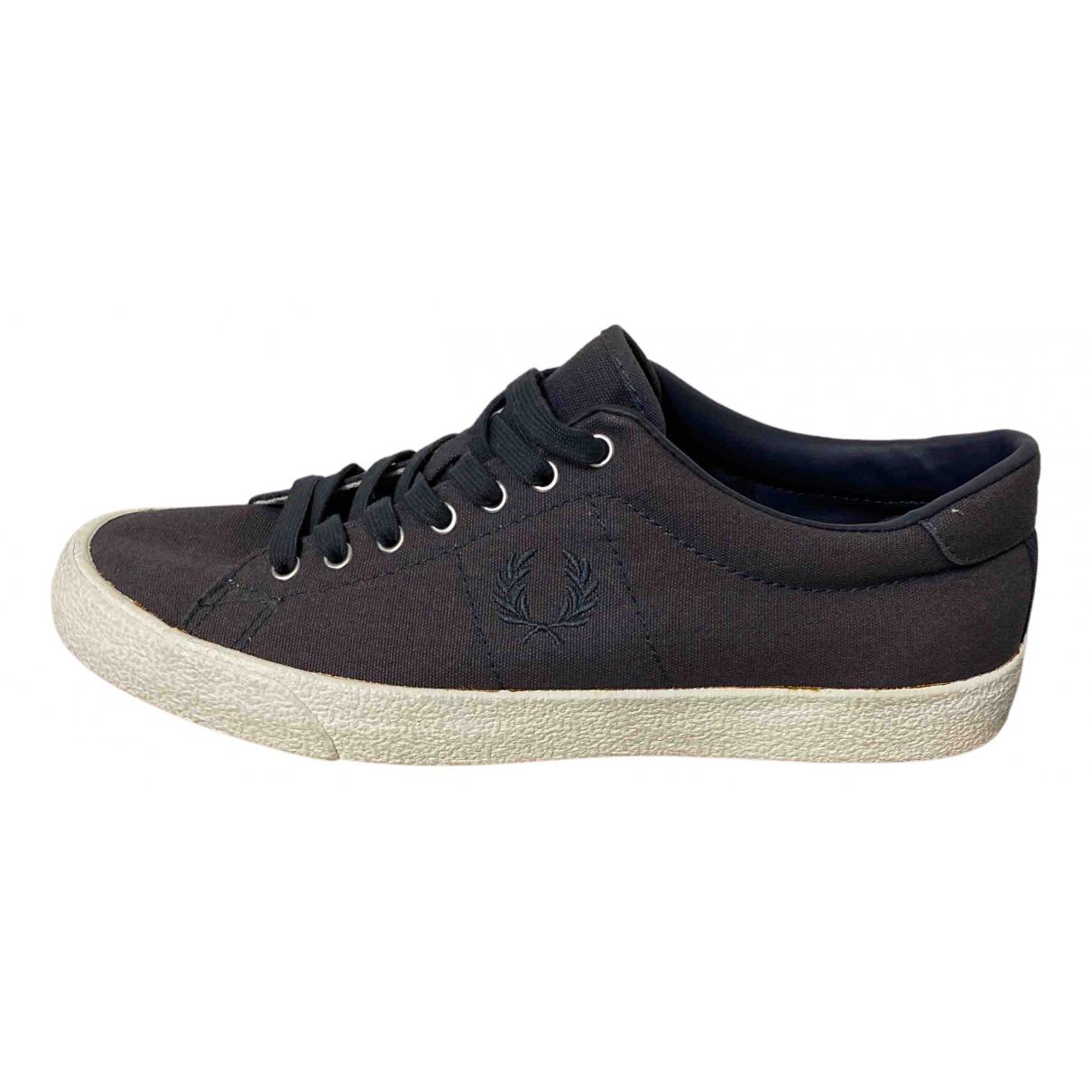 Fred Perry \N Sneakers in  Grau Leinen
