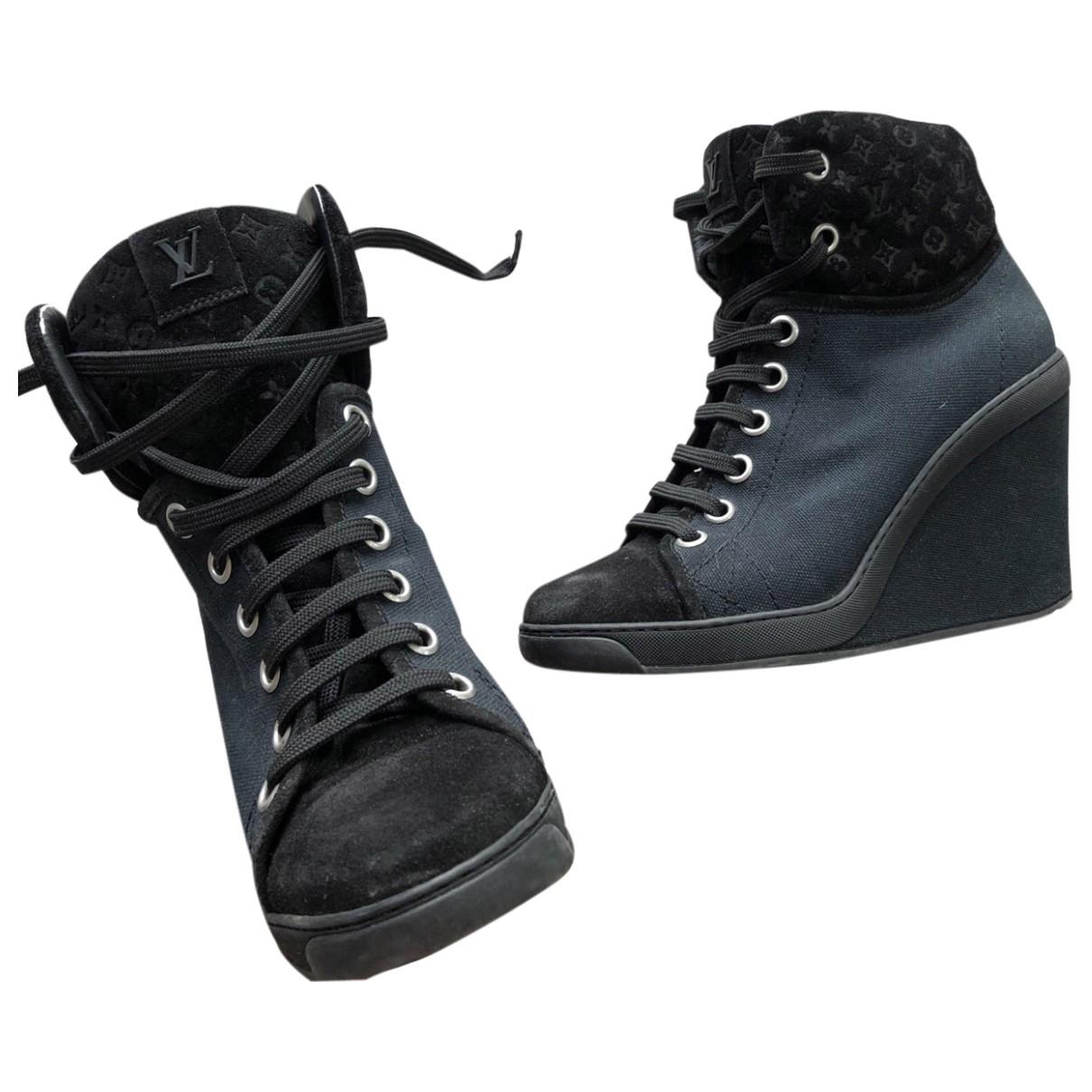 Louis Vuitton \N Navy Cloth Boots for Women 38 EU