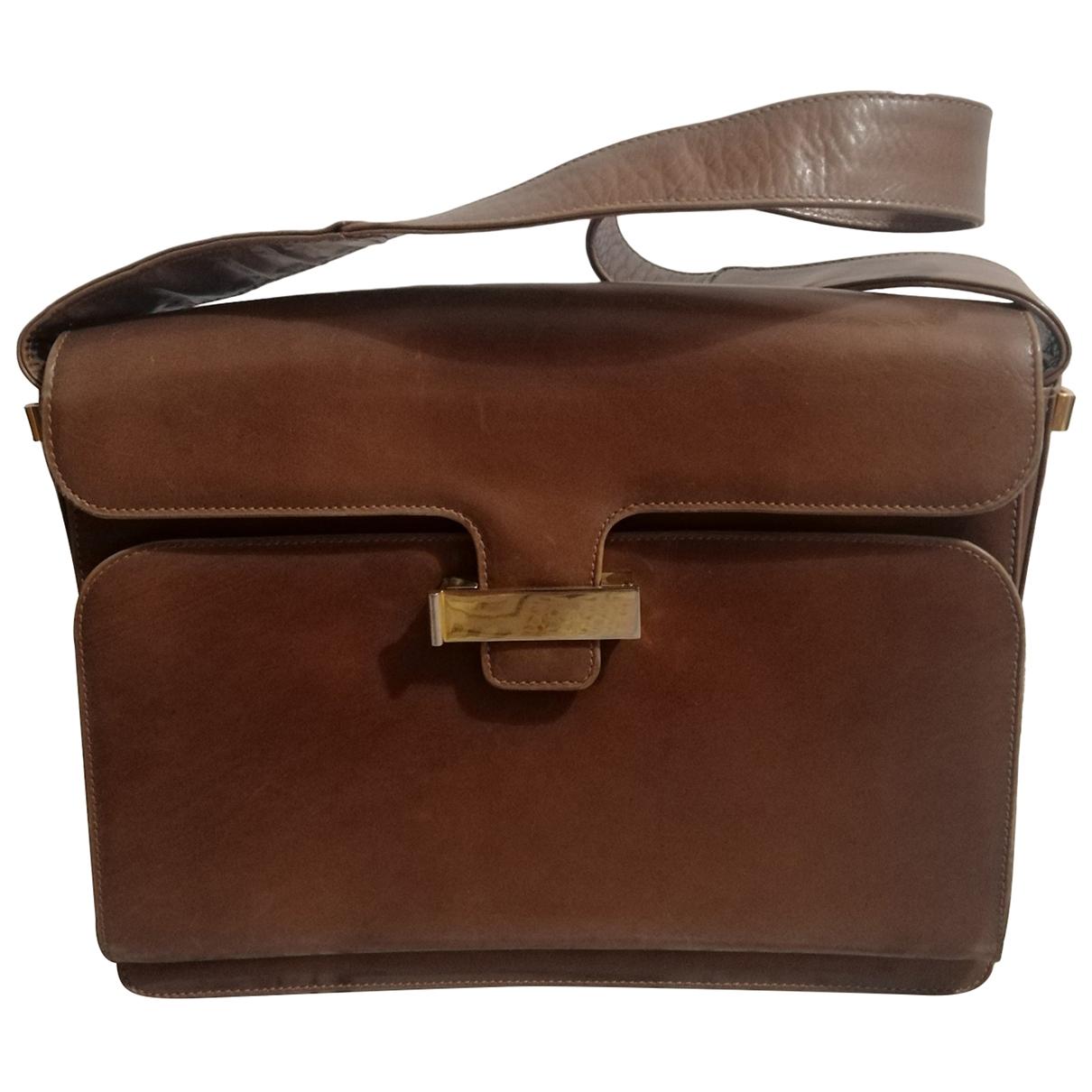 Salvatore Ferragamo \N Handtasche in  Beige Leder