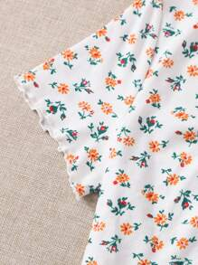 Plus Button Front Ribbed Ditsy Floral Tee