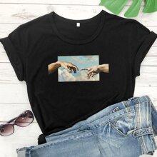 Camiseta con estampado de dedo y cielo