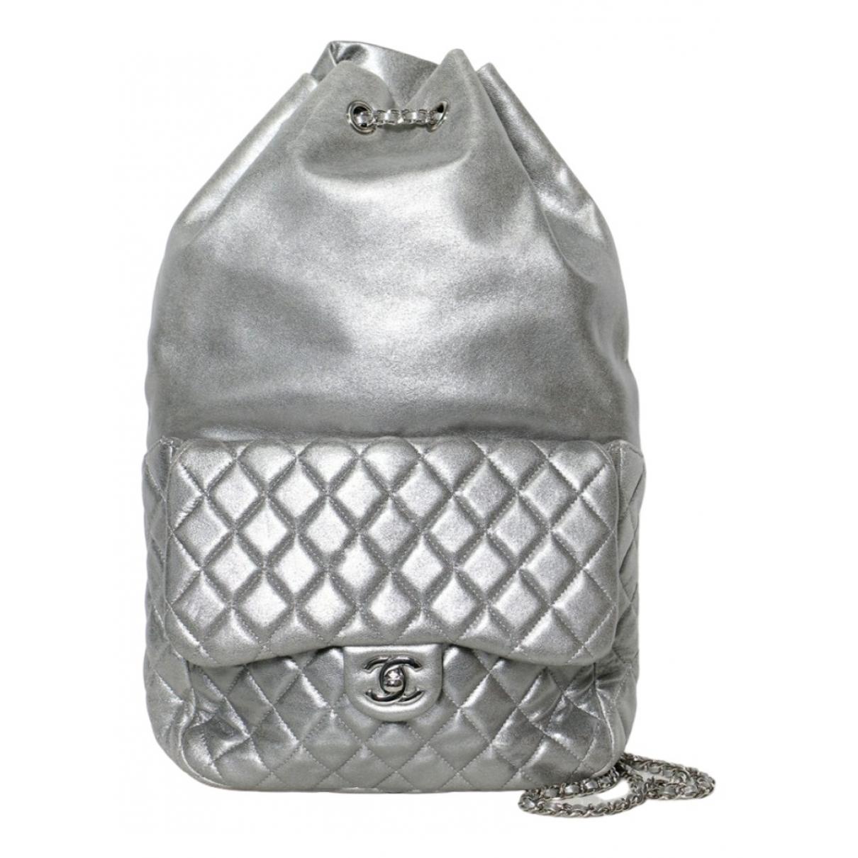 Chanel Timeless/Classique Rucksaecke in  Silber Leder