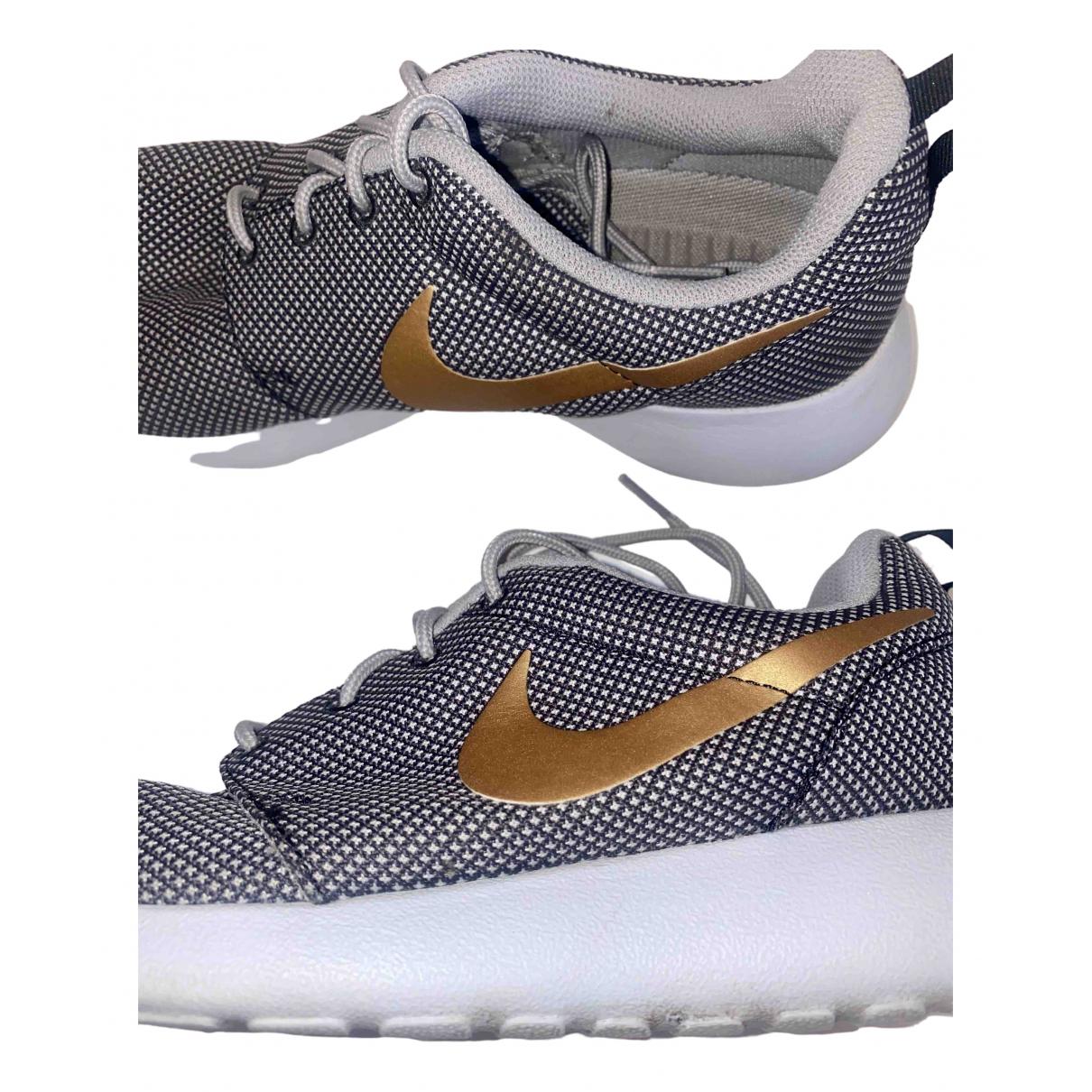Nike \N Grey Cloth Trainers for Men 6 UK