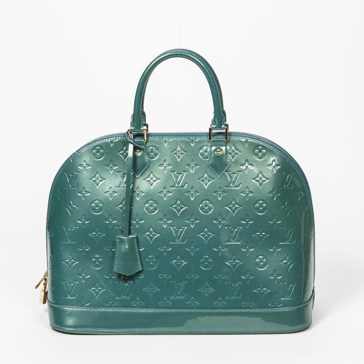 Louis Vuitton Alma Leather handbag for Women \N