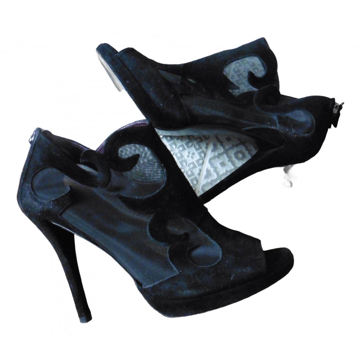 Stuart Weitzman \N Black Suede Heels for Women 8 US