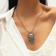 Halskette mit Schaedel Anhaenger