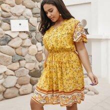 Grosse Grossen - Kleid mit Blumen Muster und Fransen