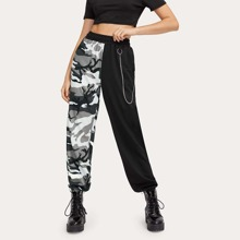Colorblock Camo Joggers With Chain