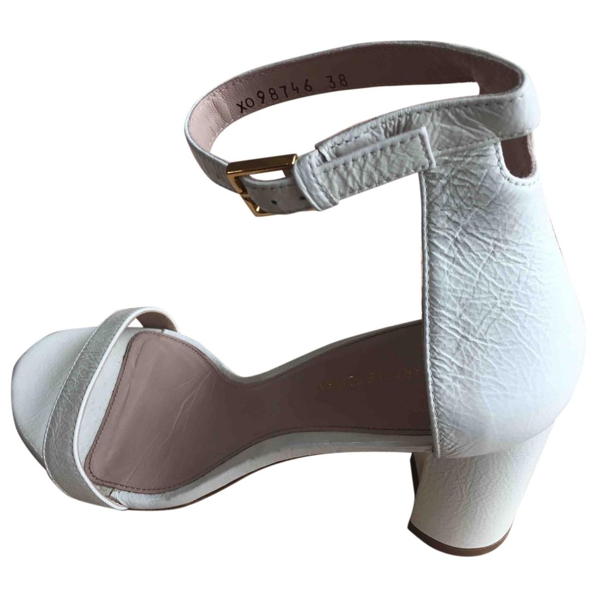 Stuart Weitzman N Ecru Leather Sandals for Women 39 EU