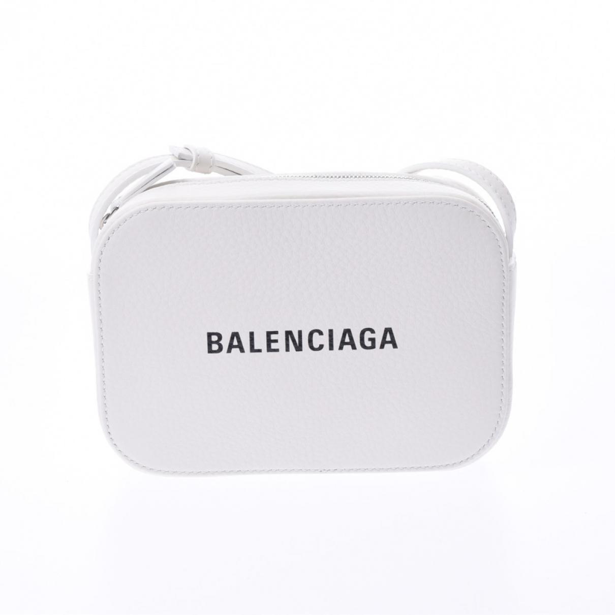 Balenciaga Camera White Leather handbag for Women \N