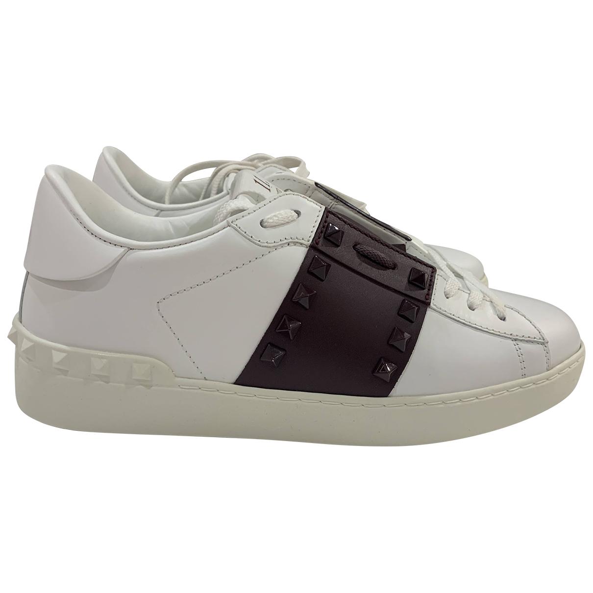 Valentino Garavani Rockstud Sneakers in  Weiss Leder