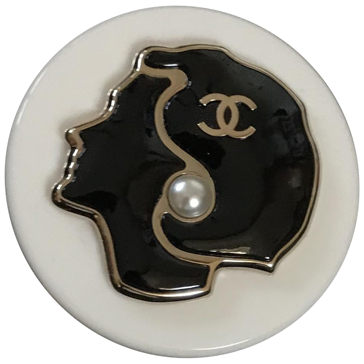 Chanel \N White Metal Pins & brooches for Women \N