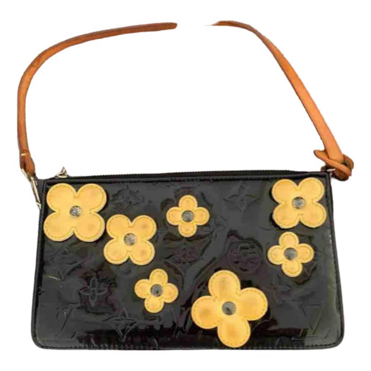 Louis Vuitton Lexington Black Patent leather Clutch bag for Women \N