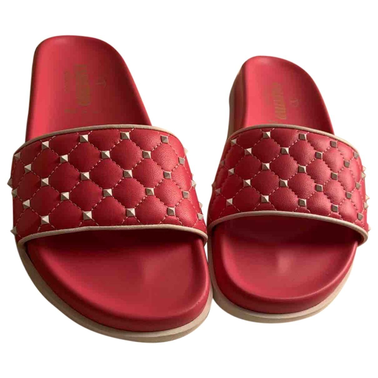 Valentino Garavani - Sandales Rockstud pour femme en cuir - rose