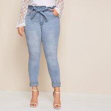 Jeans in Ubergrosse mit Papiertasche Taille und Waesche