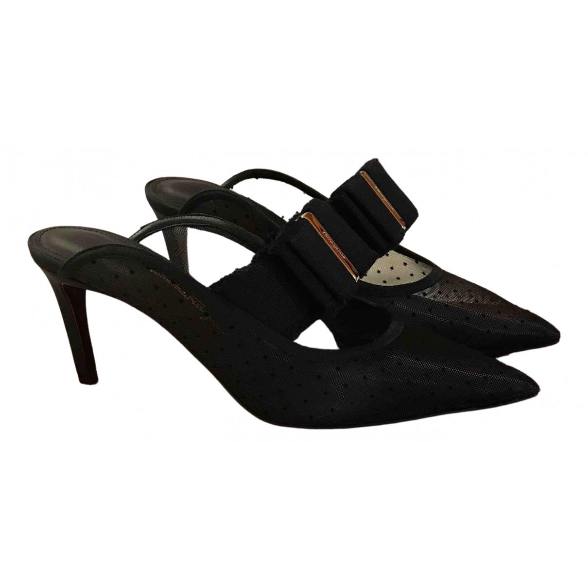 Salvatore Ferragamo \N Black Leather Sandals for Women 7 UK