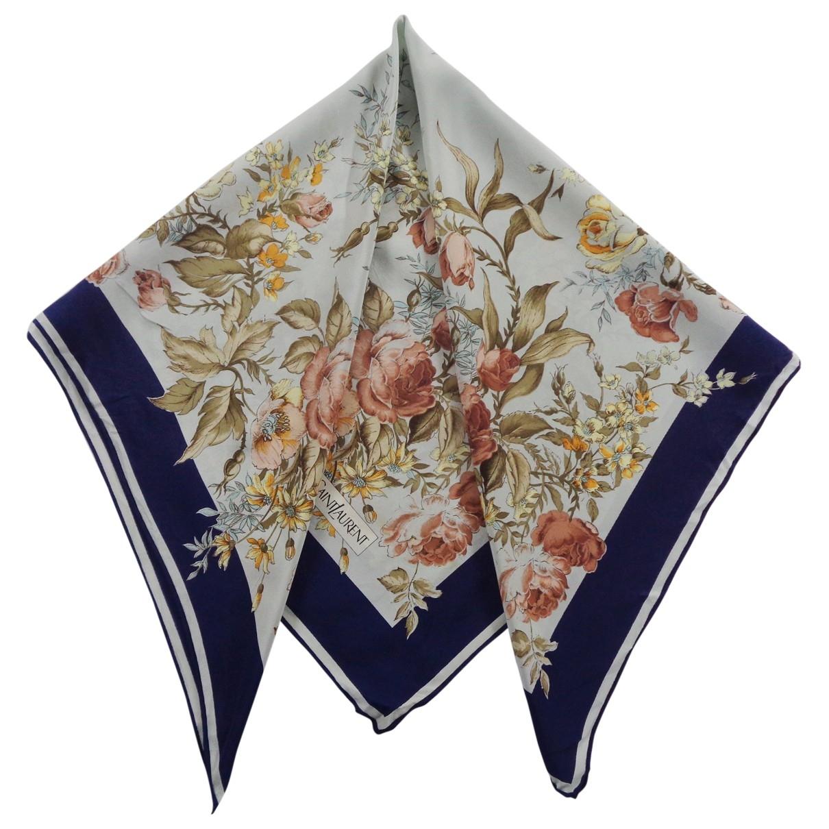 Yves Saint Laurent \N Blue Silk scarf for Women \N
