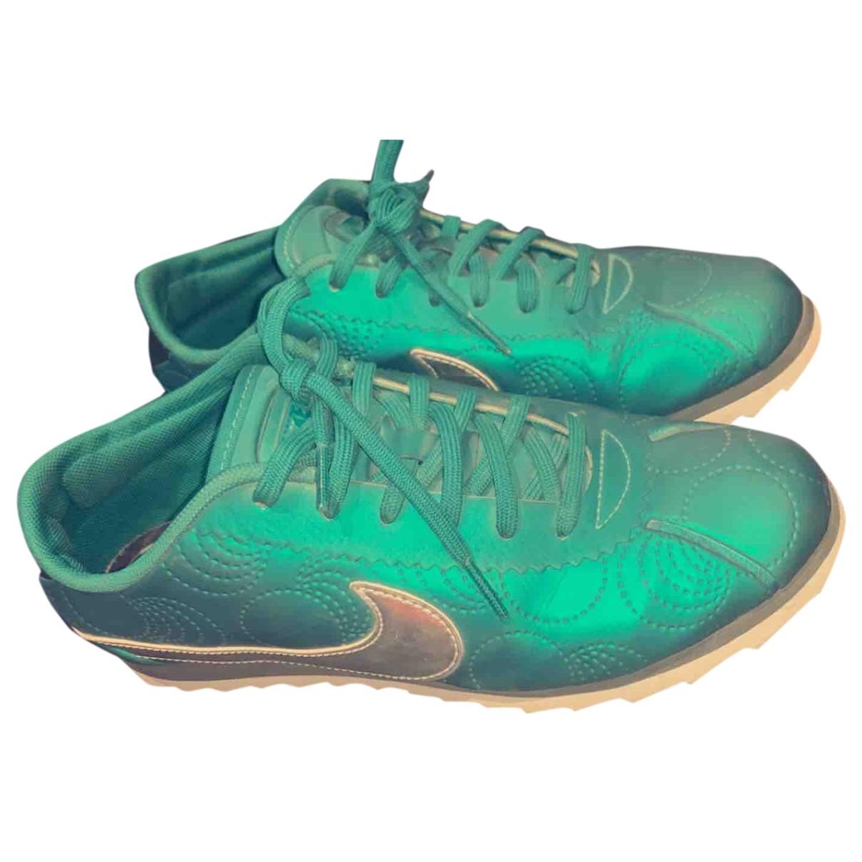 Nike Cortez Sneakers in  Gruen Leder