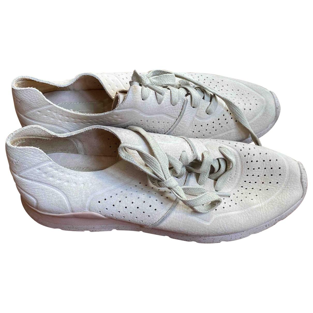 Ugg \N Sneakers in  Beige Veloursleder