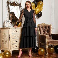 Kleid mit Netzstoff, Puffaermeln und Guertel