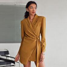 Blazer Kleid mit Spitzenkragen, Wickel Design und Knoten