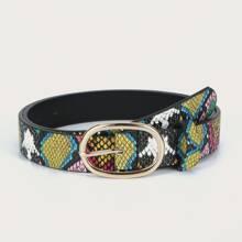 Cinturon con hebilla metalica con patron de piel de serpiente