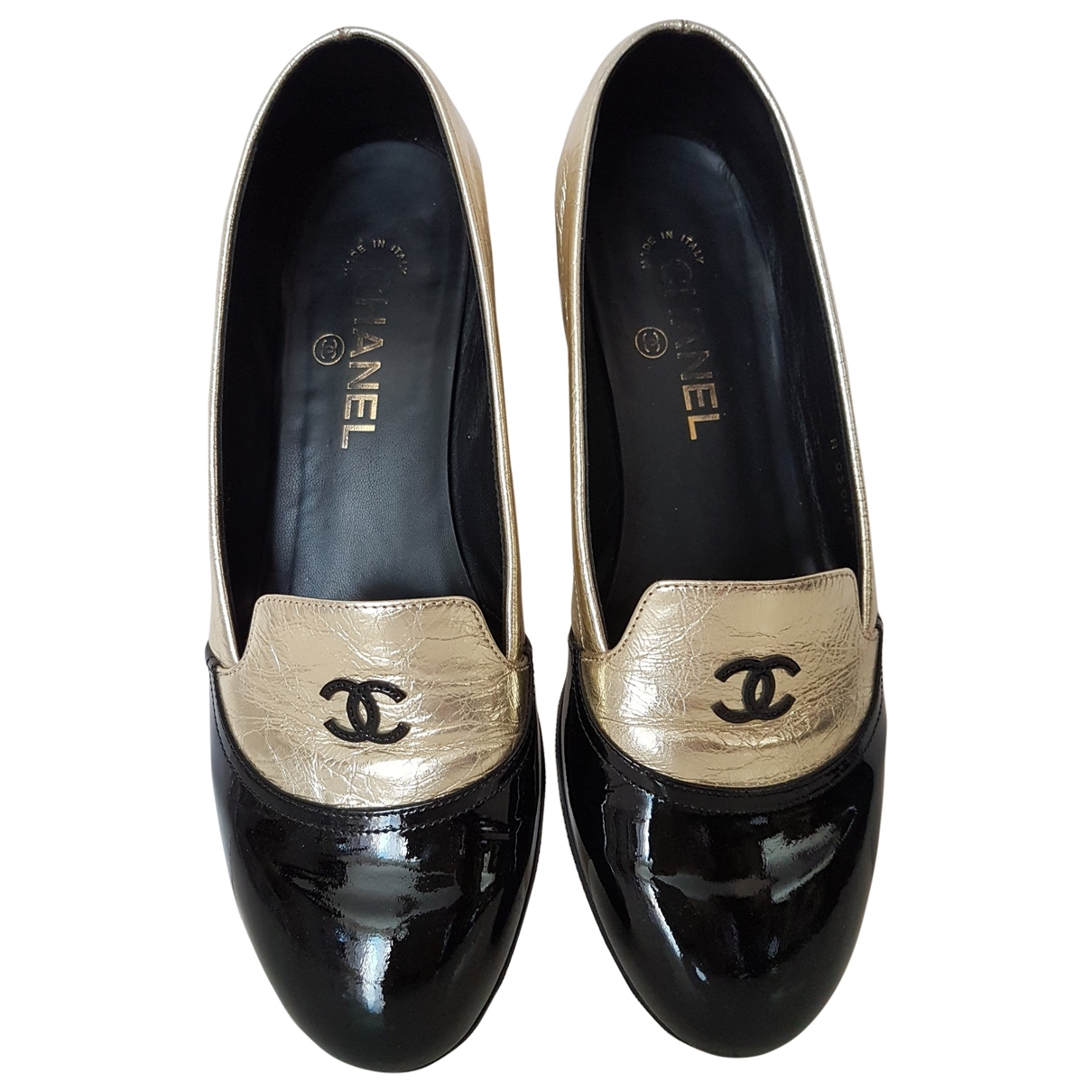 Chanel \N Gold Leather Flats for Women 38.5 EU