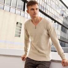 Pullover mit V-Kragen und Knopfen vorn
