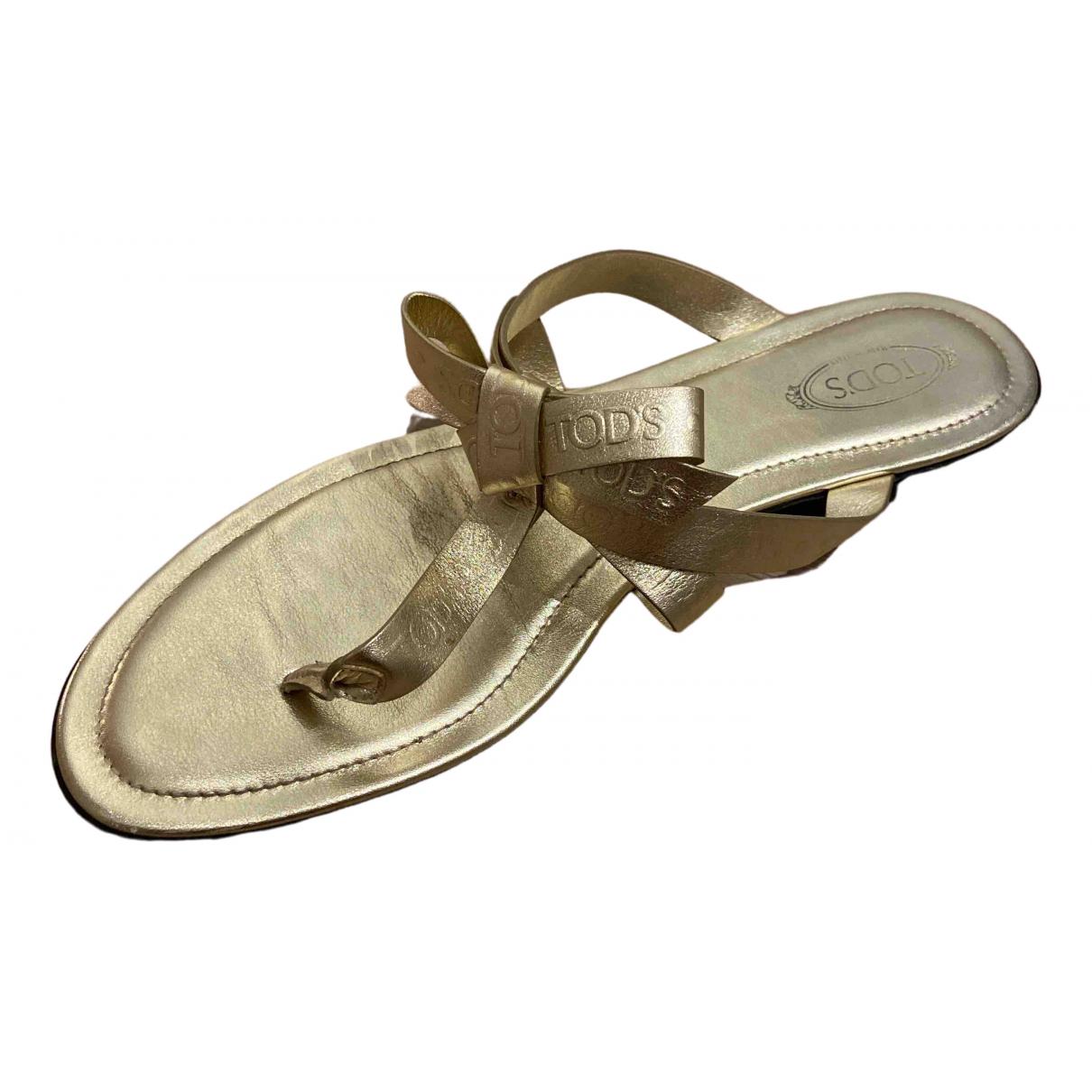 Tods \N Sandalen in  Gold Leder