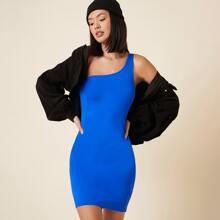 Figurbetontes Kleid mit einer Schulter