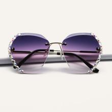 Brille mit Diamant Praegung