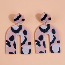 Ohrringe mit Acryl Buchstabe Design