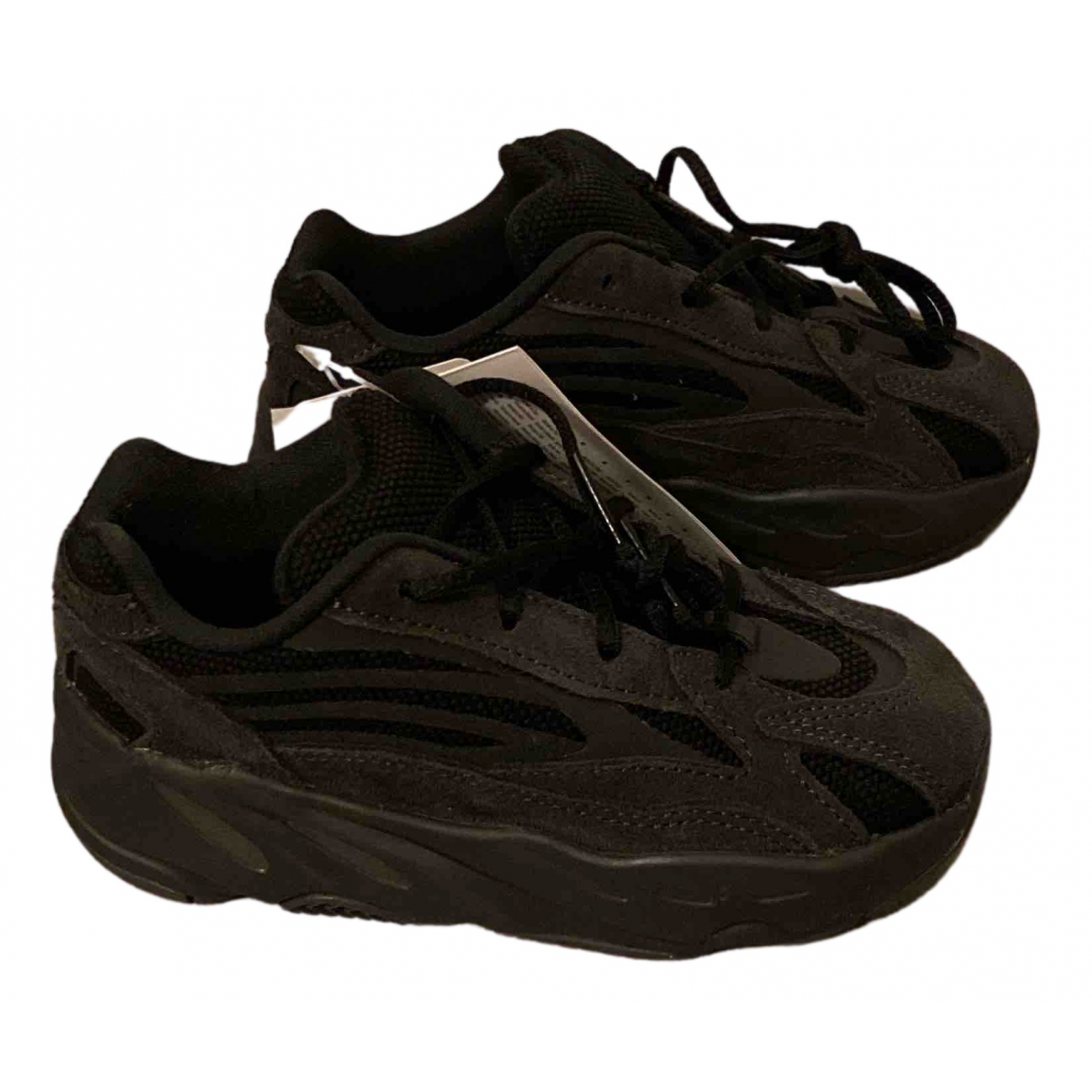 Yeezy X Adidas Boost 700 V1  Black Leather Trainers for Kids 27 FR