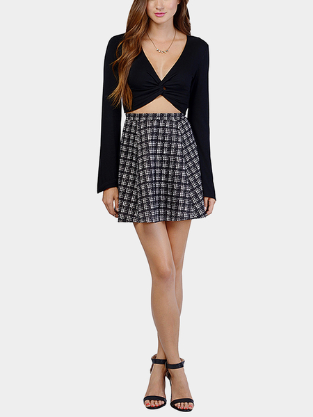 Yoins Black Twist Front Crop Top with Bell Sleeve