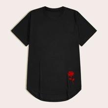 Maenner T-Shirt mit Rose Muster und gebogenem Saum