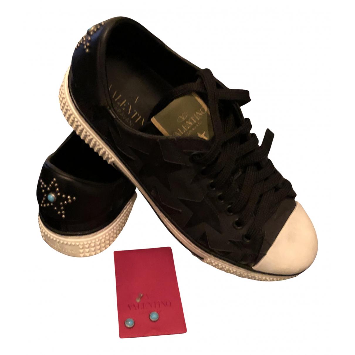 Valentino Garavani - Baskets   pour femme en cuir - noir