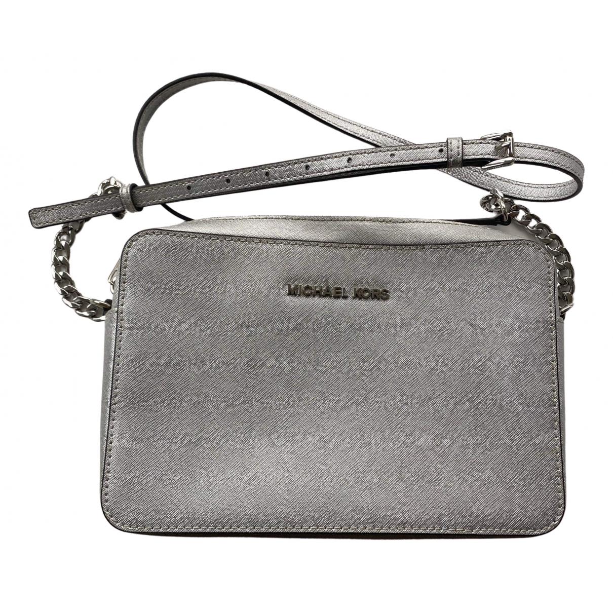 Michael Kors Jet Set Handtasche in  Silber Leder
