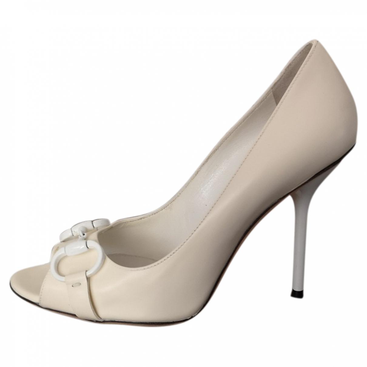 Gucci \N White Leather Heels for Women 37.5 EU