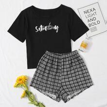 Conjunto de pijama camiseta con estampado de letra con shorts de cuadros