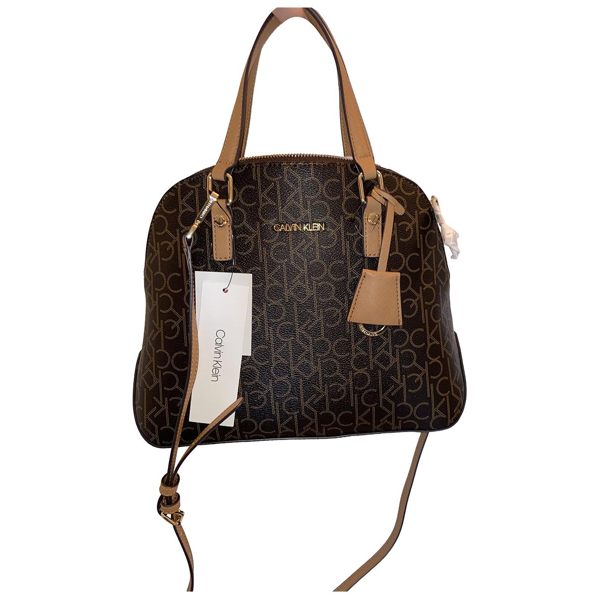 Calvin Klein \N Handtasche in  Braun Leder