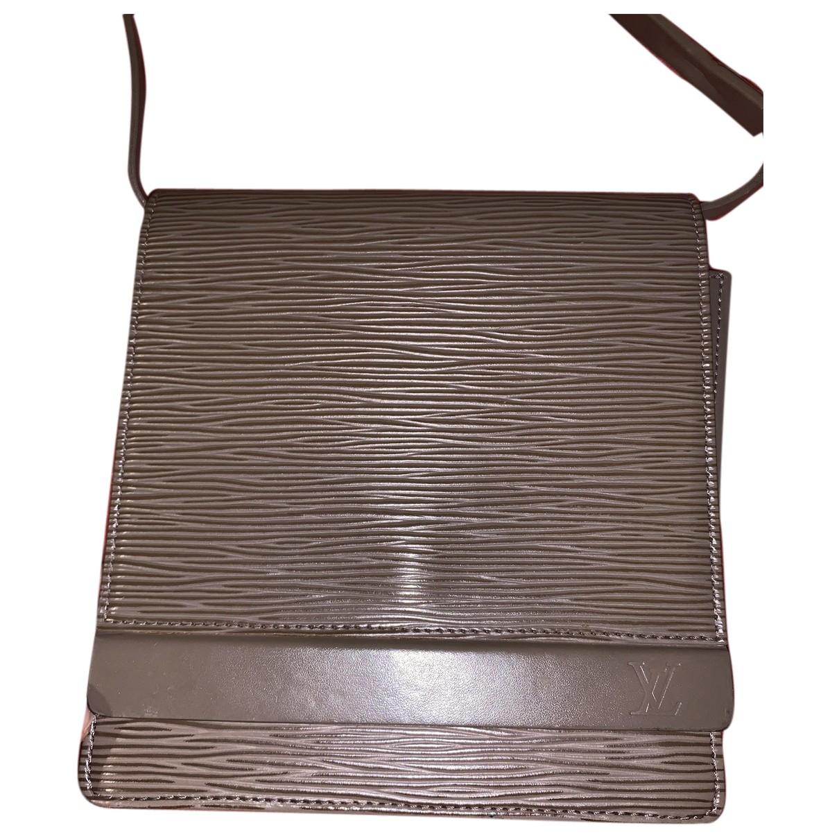 Louis Vuitton \N Clutch in  Grau Leder