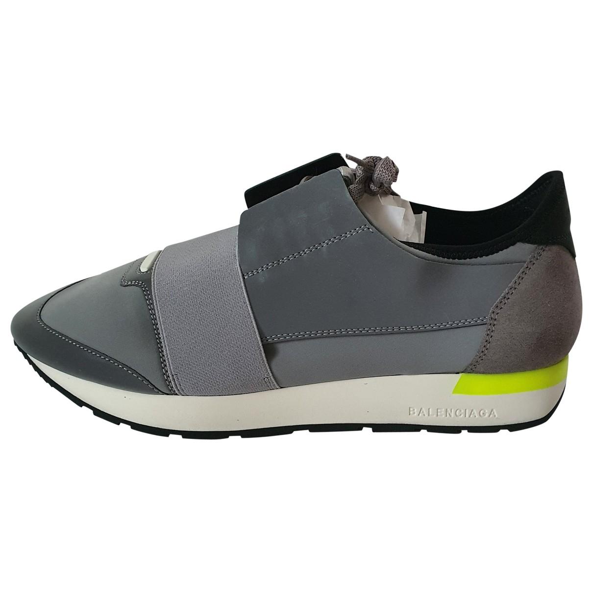 Balenciaga Race Sneakers in  Grau Leder