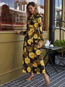 Maxi Kleid mit Blumen Muster und Guertel