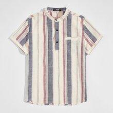 Camisa de rayas con abertura media