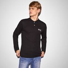 Men Buttoned Half Placket Letter Embroidery Top