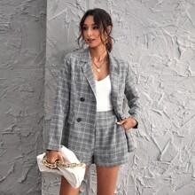 Zweireihiger Blazer mit Karo Muster & Shorts